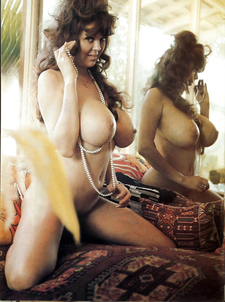 Сисястые ретро дамы картинки, порно мини юбки чулки колготки трусики подсмотреть