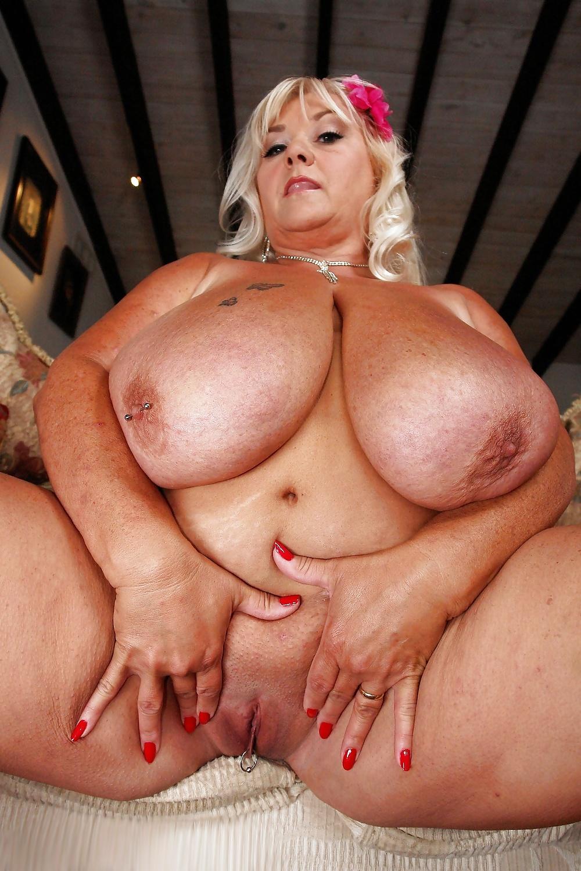 жирные тетки с огромной грудью и огромной жопищей - 10
