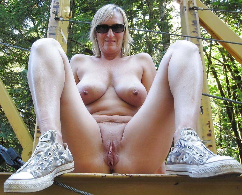 Beautiful Naked Women Porn Pics