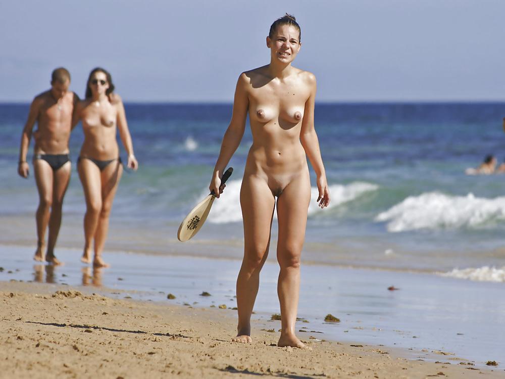Lily Aldridge Poses In Series Of Sexy Bikinis For Photoshoot On Nudist Beach In Hawaii