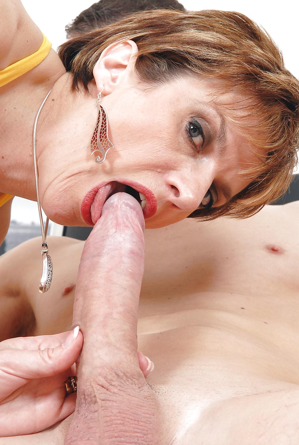 A cocksucking mature woman