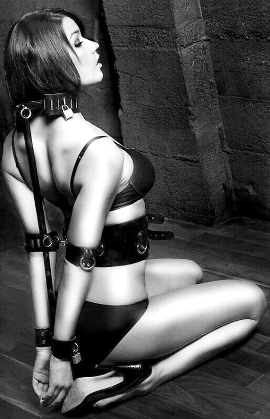 Light bondage women