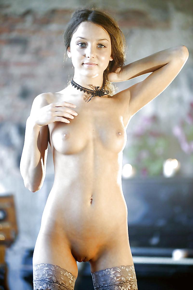 женщины по пояс голые фото меня возбуждает