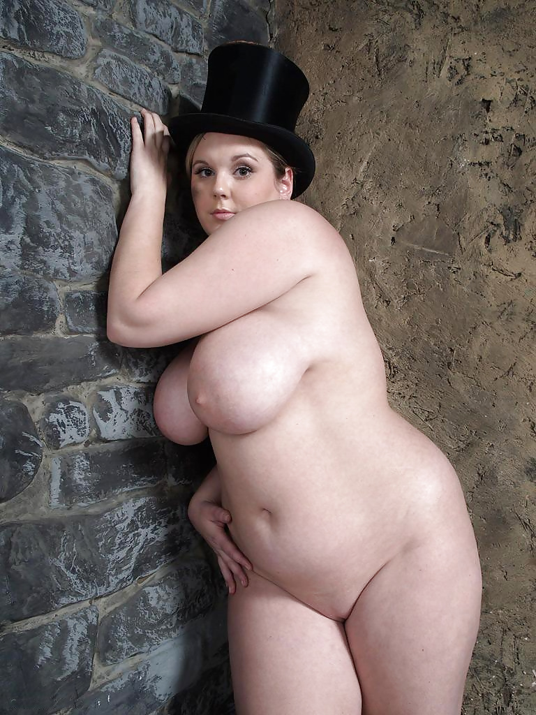 Gorgeous chubby naked