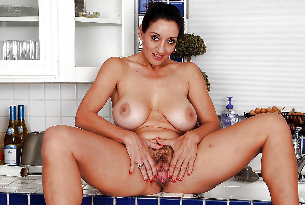 Mamas pussy pics — pic 10