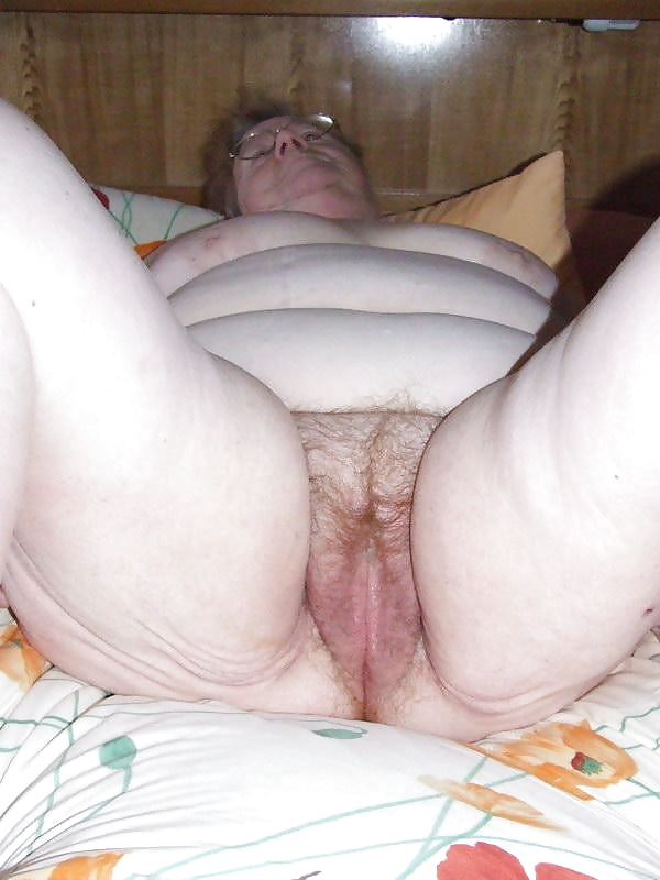 Very fat big naked older granny from ghana — img 1