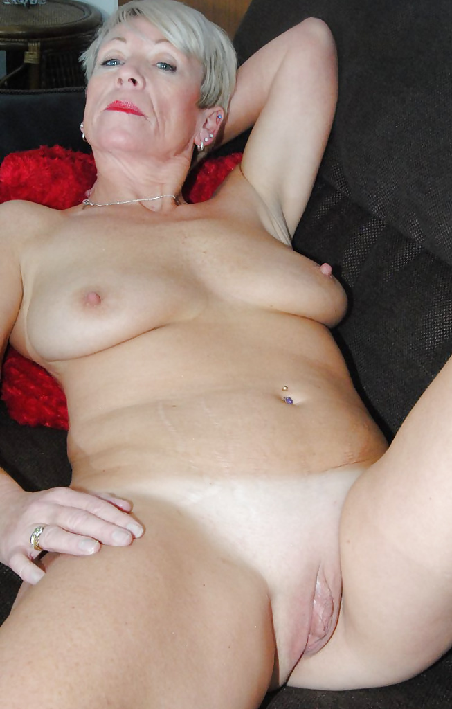 Hot granny savana spreading wide open in cotton panties to flash mature pussy