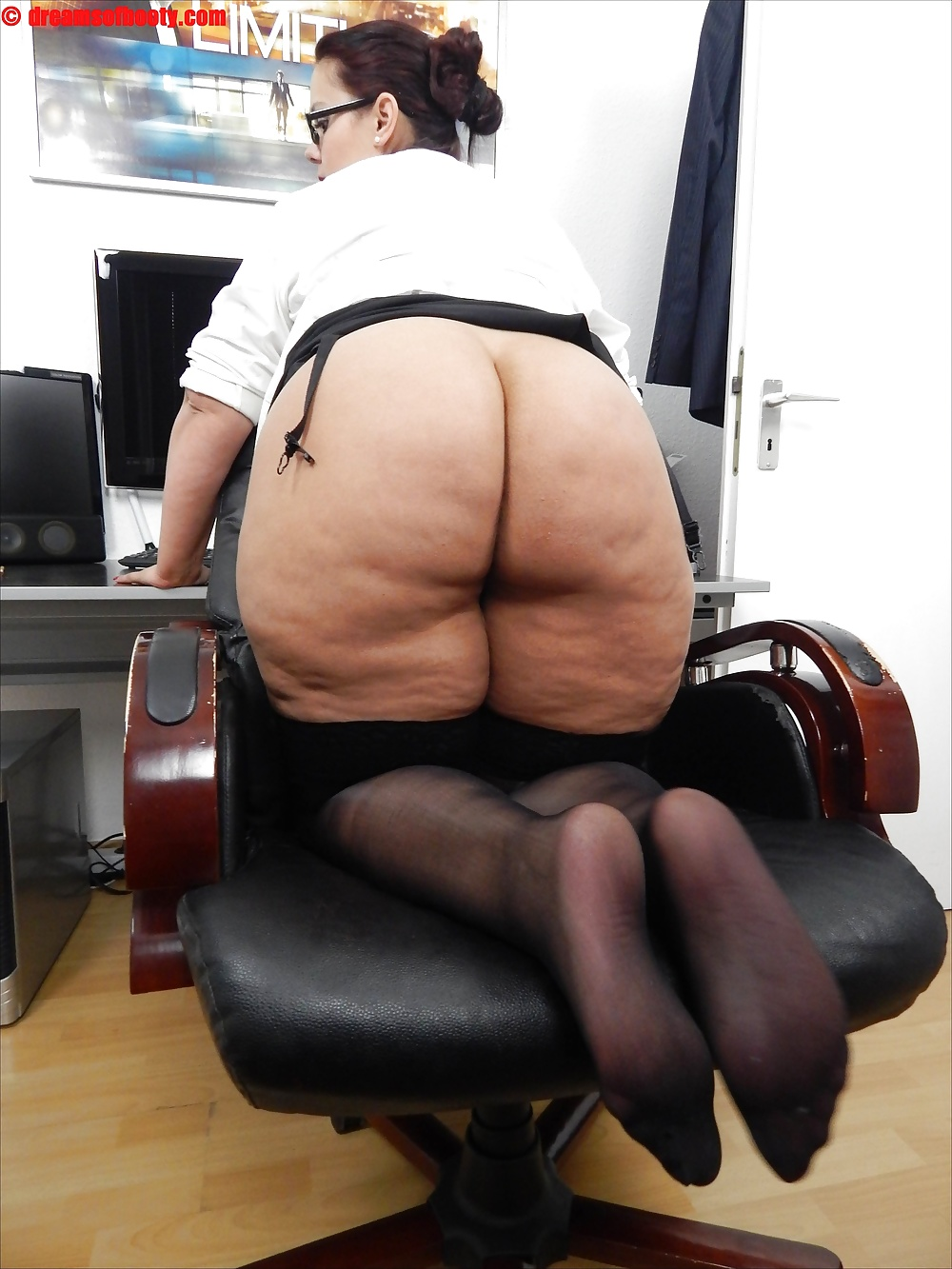 Chubby secretary clips, mom first time amateur lesbian video