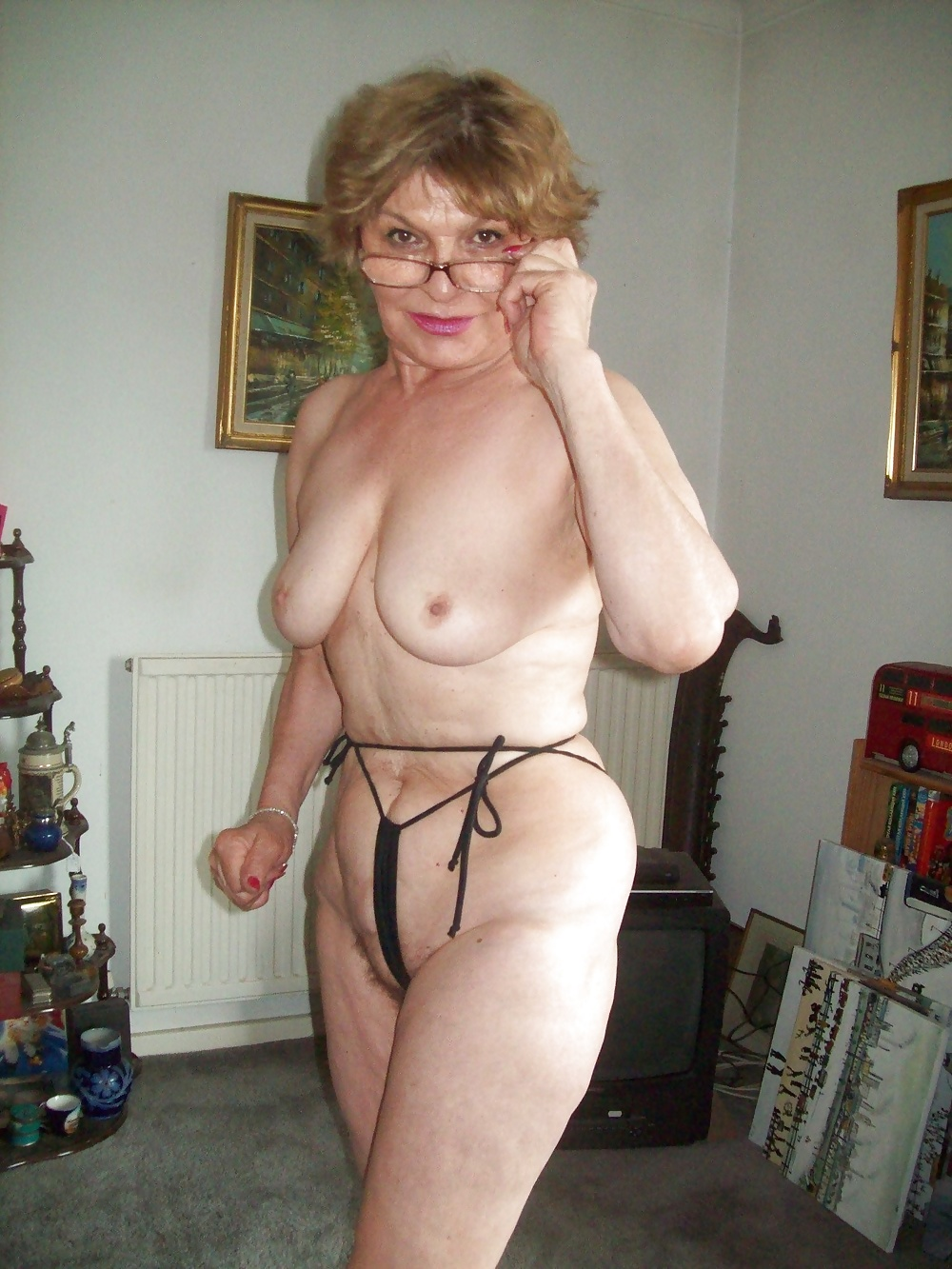 Mature stuffing huge and hot collection of mature and granny