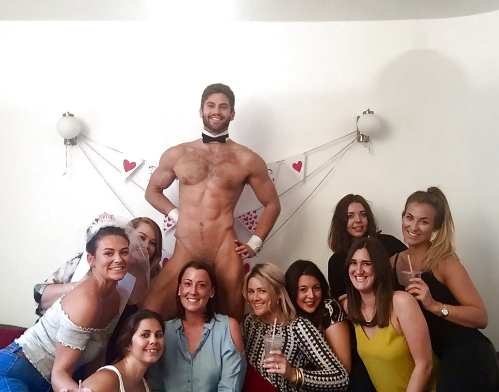 Muscle men male strippers revue male strip club shows