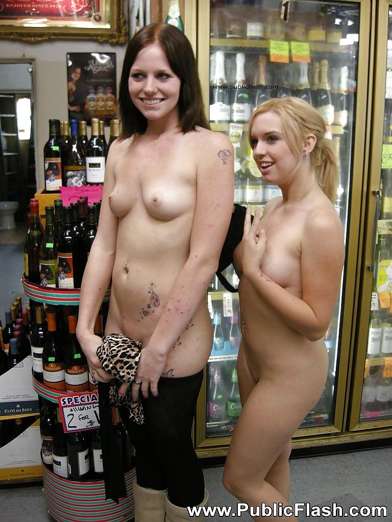 Amateur Lindi Naked And Loving It