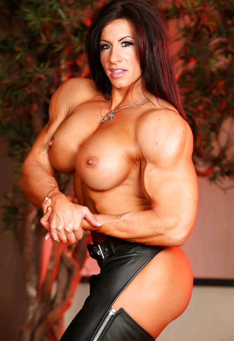 sexy-naked-massive-muscle-womens