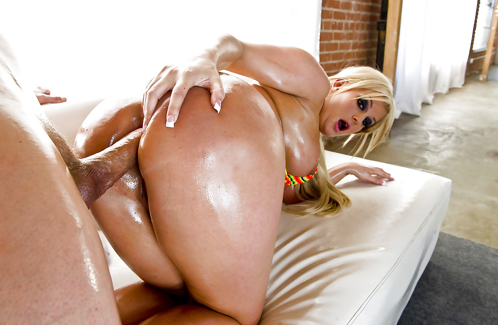 The tight asshole of julie cash got licked by a humiliated guy