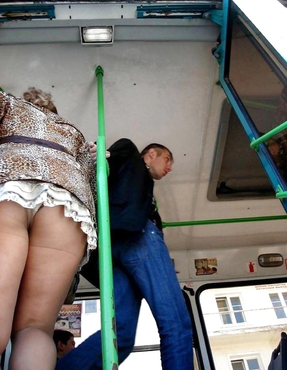 как--то подглявание в автобусе фото она есть
