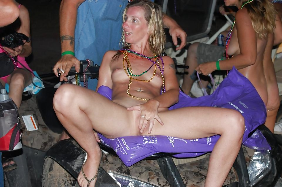 Biker slut suzi fucks anyone who pays