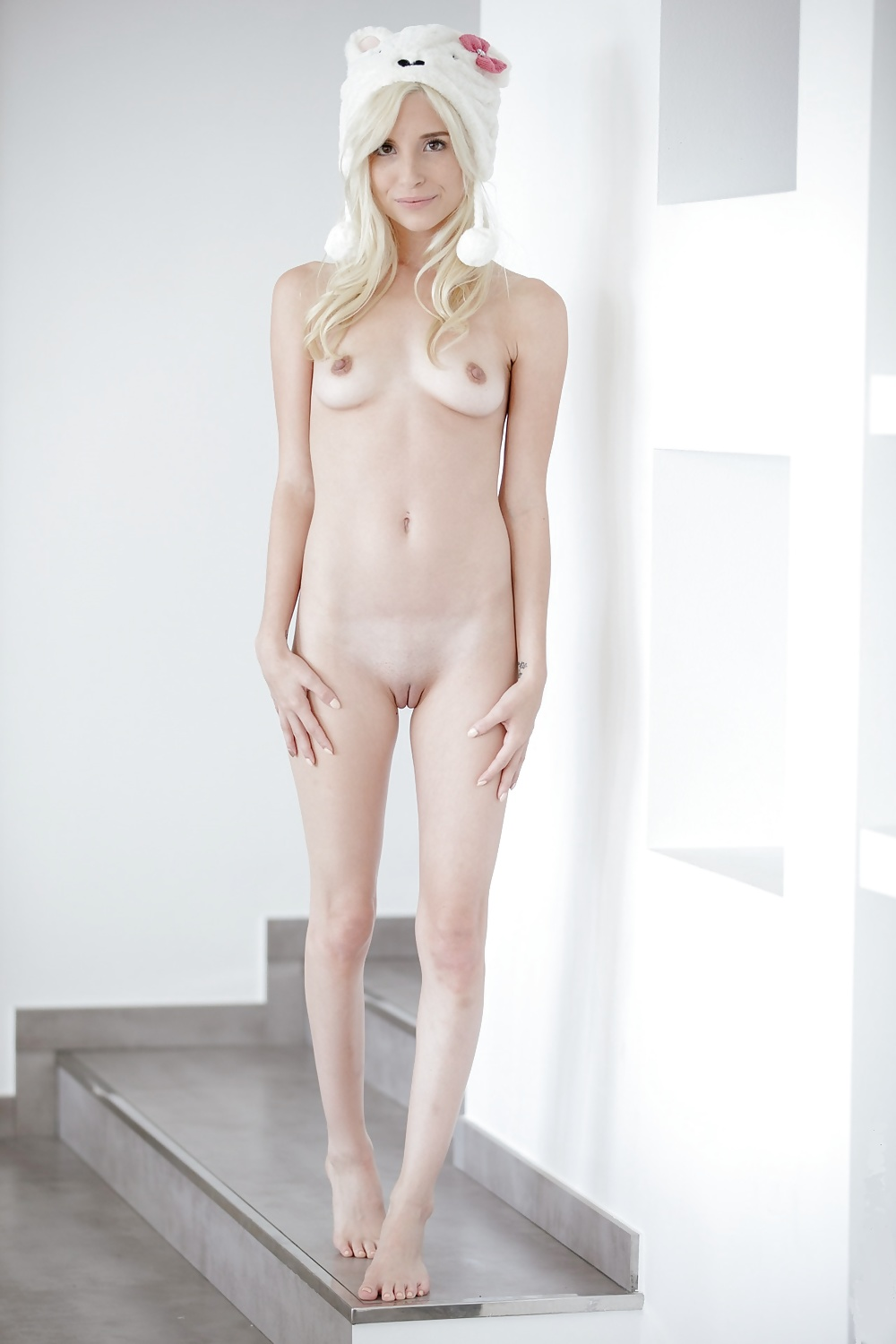 piper-precious-naked-tiny-little-naked-chicks