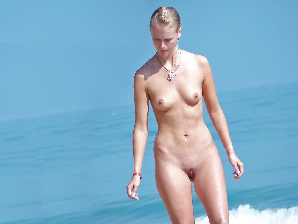 aunty-true-blond-nudist