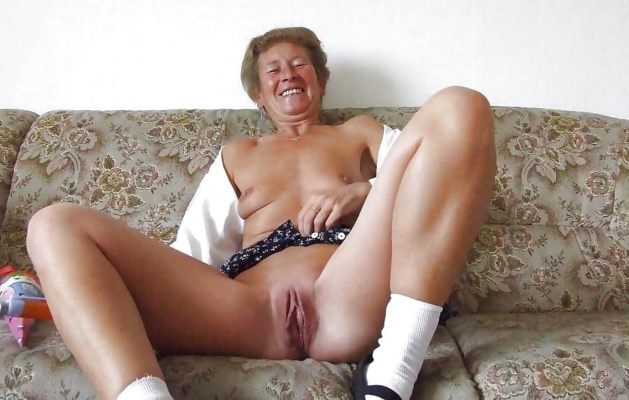 Liliput Granny Dildo Massage