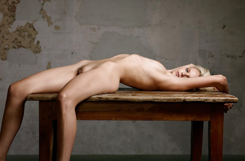 Nude recording artist