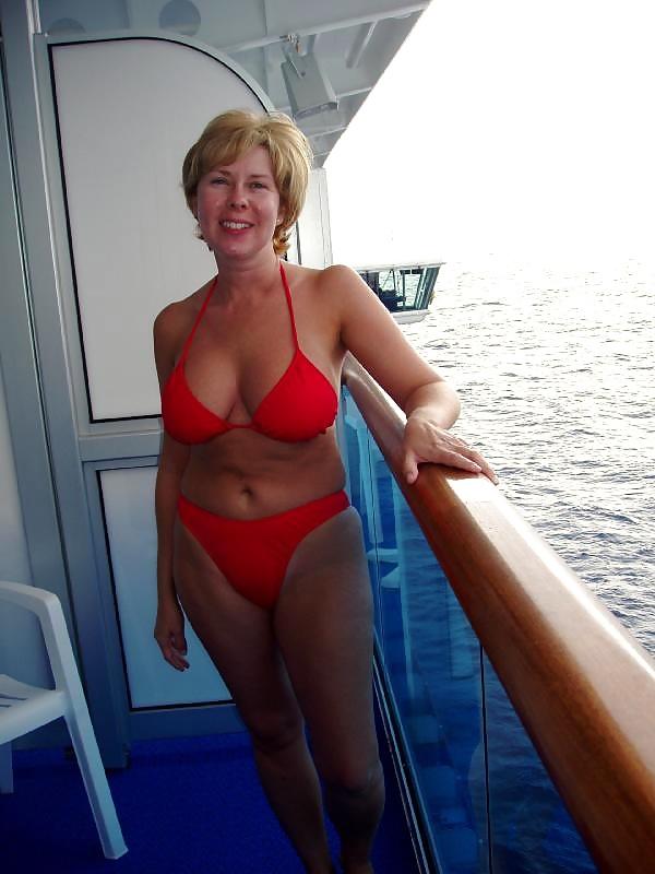 Люблю смотреть на зрелых женщин в купальниках — img 2