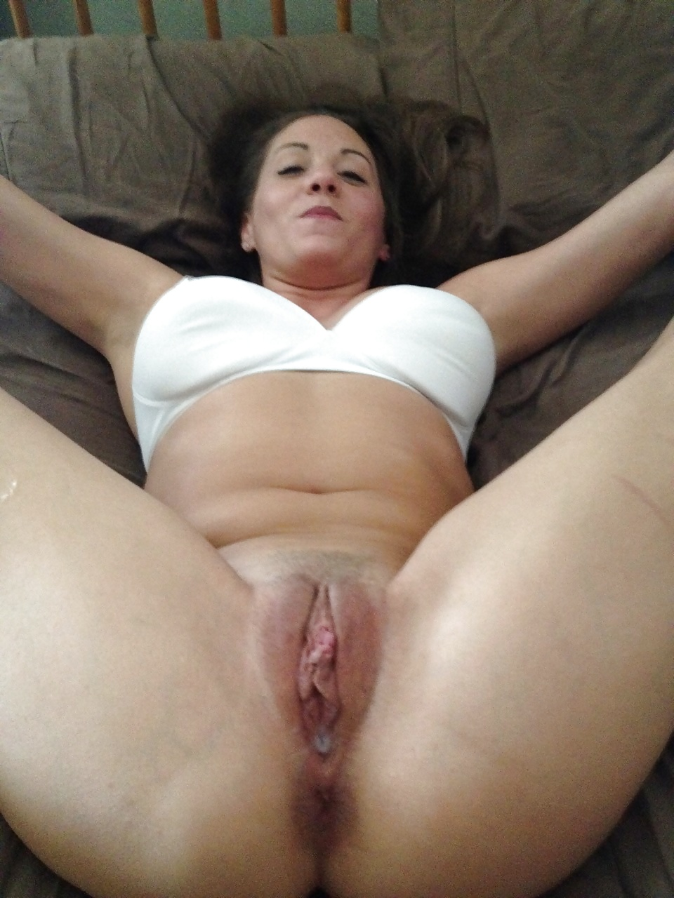 Daughter Lets Her Mother Eat Her Pussy
