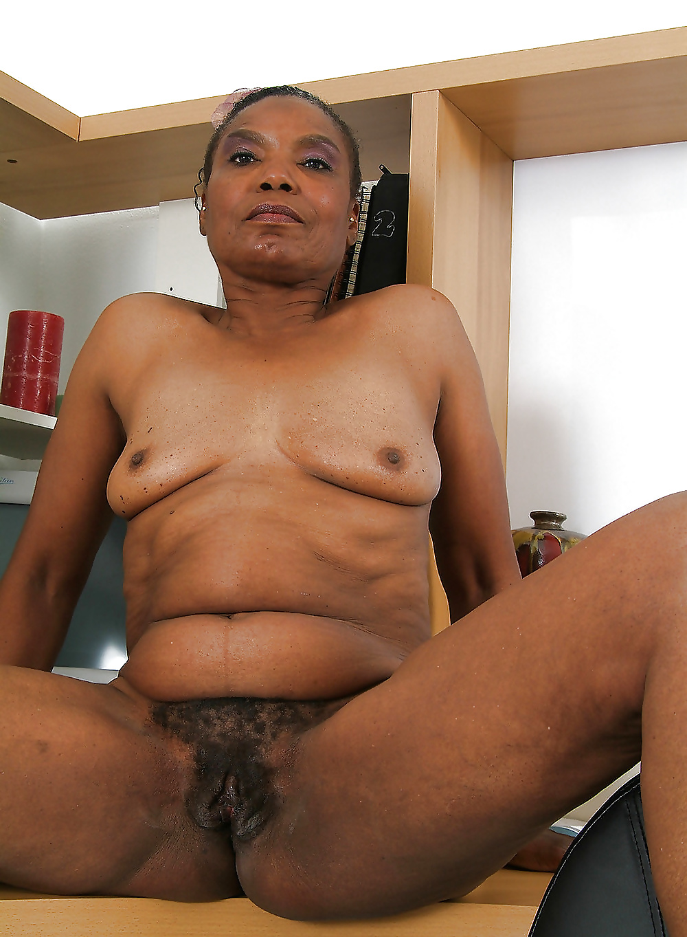 ebony-black-granny-tube-sites