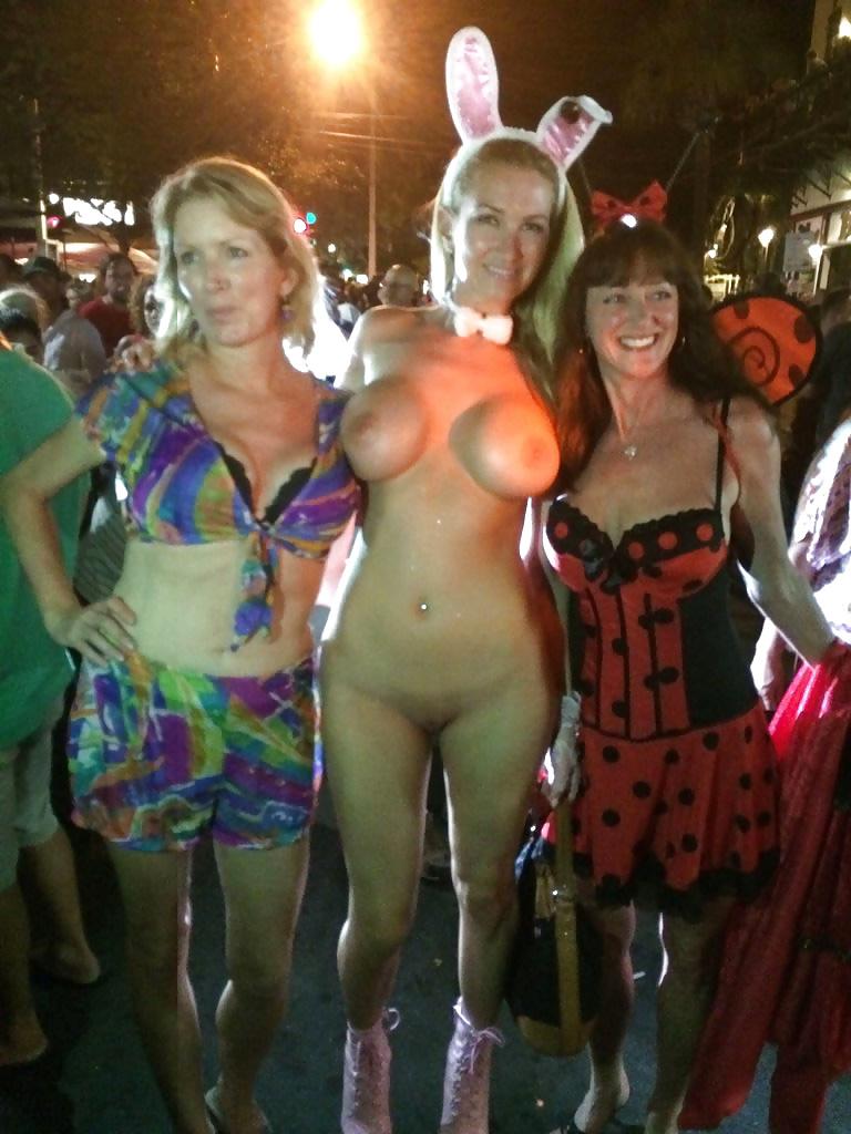 Amateur Girls Halloween Porn And Naked Amateur Girls Halloween Xxx