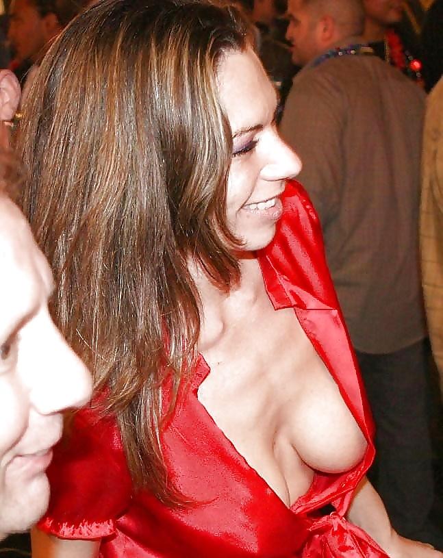 у русской актрисы вывалилась грудь ближайшем сеансе