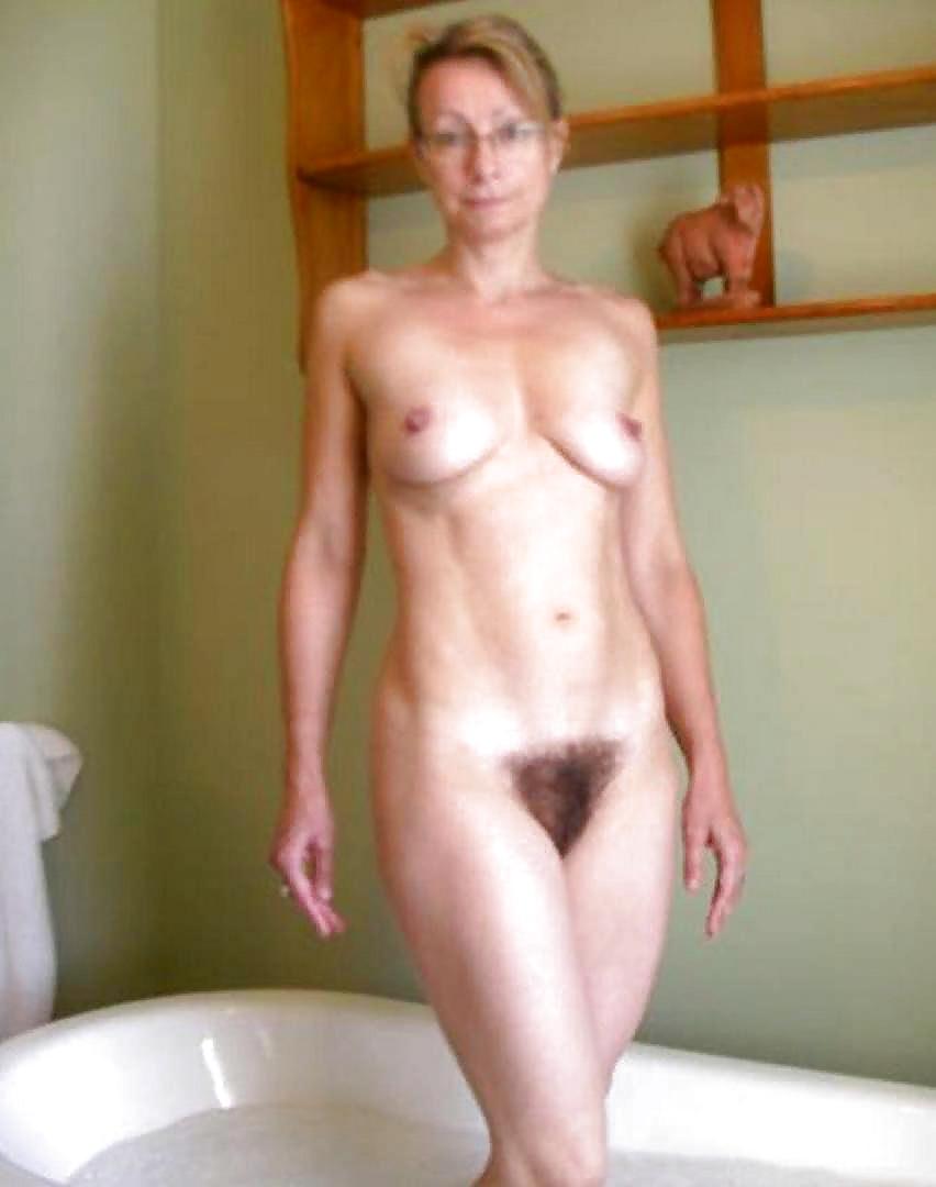 Bush pussy nudist beach babes amateurs exhibition photo