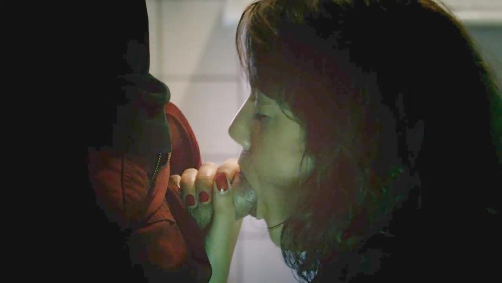 фильмы с откровенными сценами порно дебора реви телка прошмандовка вылезла