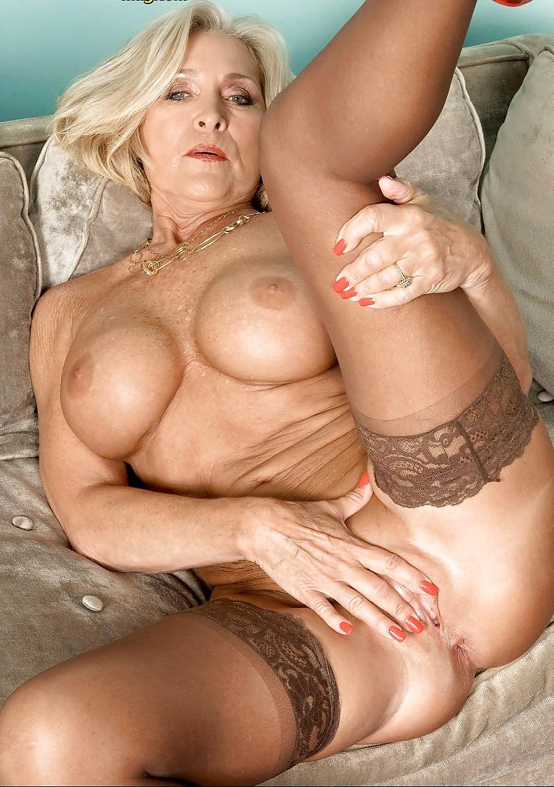 Nasty Milf Katia Gives Titjob Well Tender Son's Friend Porn Pics