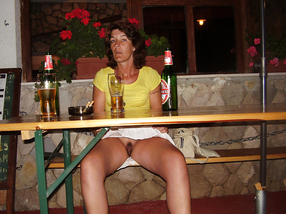 See and save as slutty wife public flashing porn pict