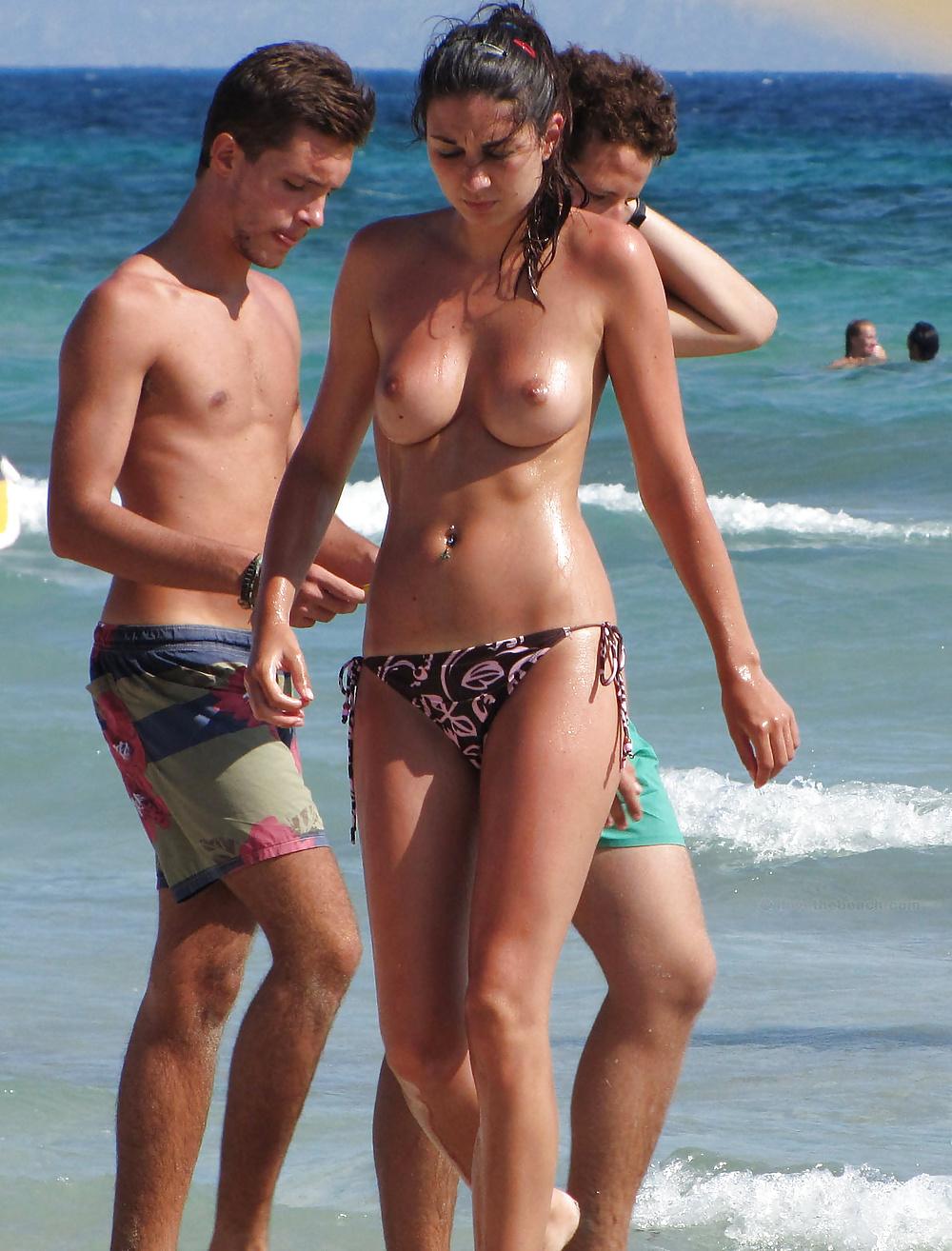 Hidden nude beach in cinque terre, italy