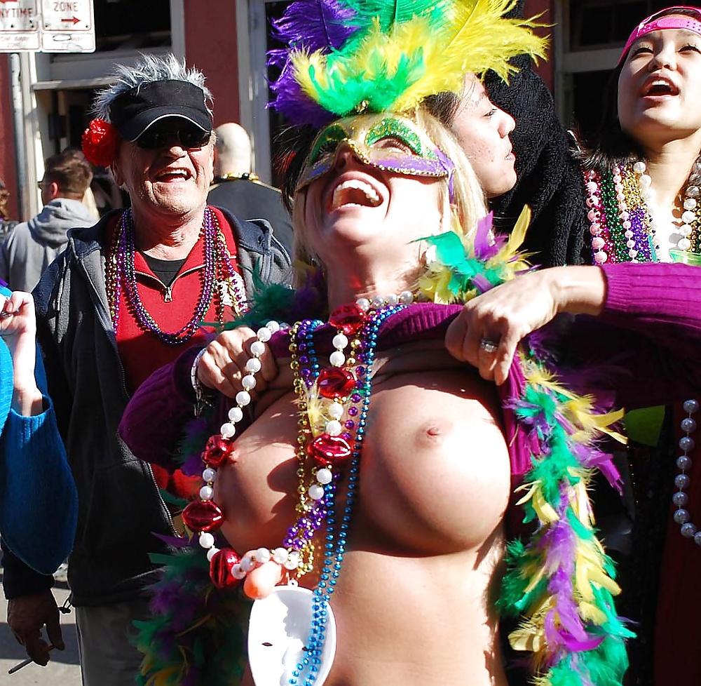 Mardi Gras Gay Penis