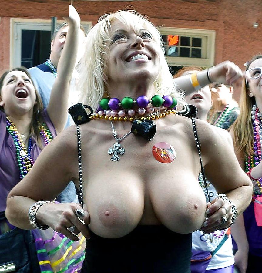 Mardi Gras Boob Flashing Dvd Naked Teen Enjoy