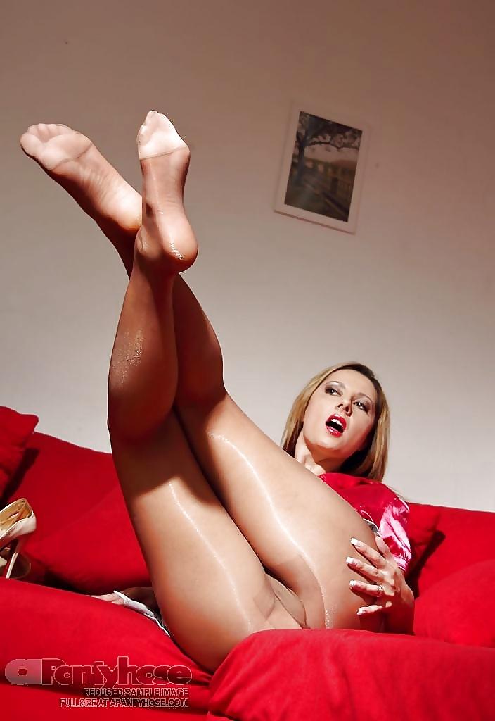 sexxy-pics-of-legs-on-kik-sridevi-nude-pussy