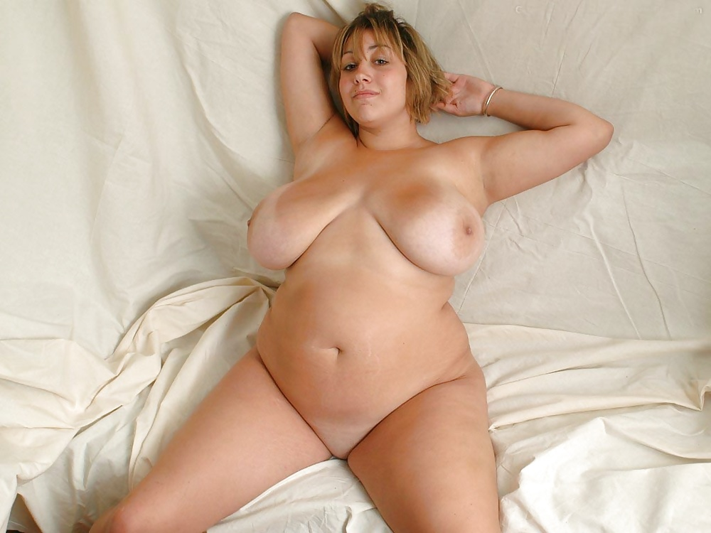 Fat and busty naked — img 10