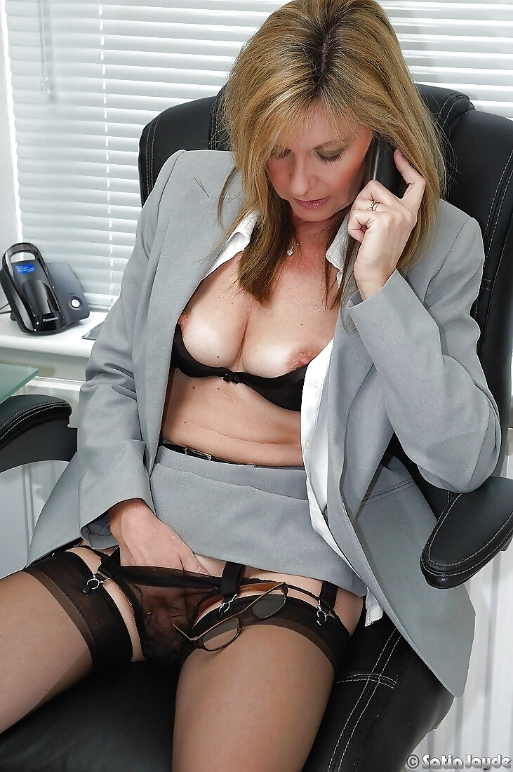 Office Girl Showing Pussy