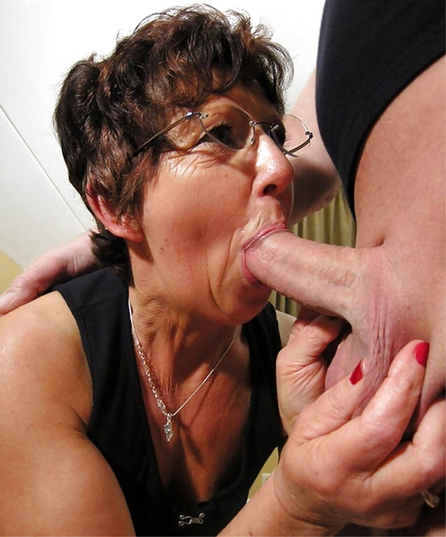 mature-horny-housewife-oral-sec-pics