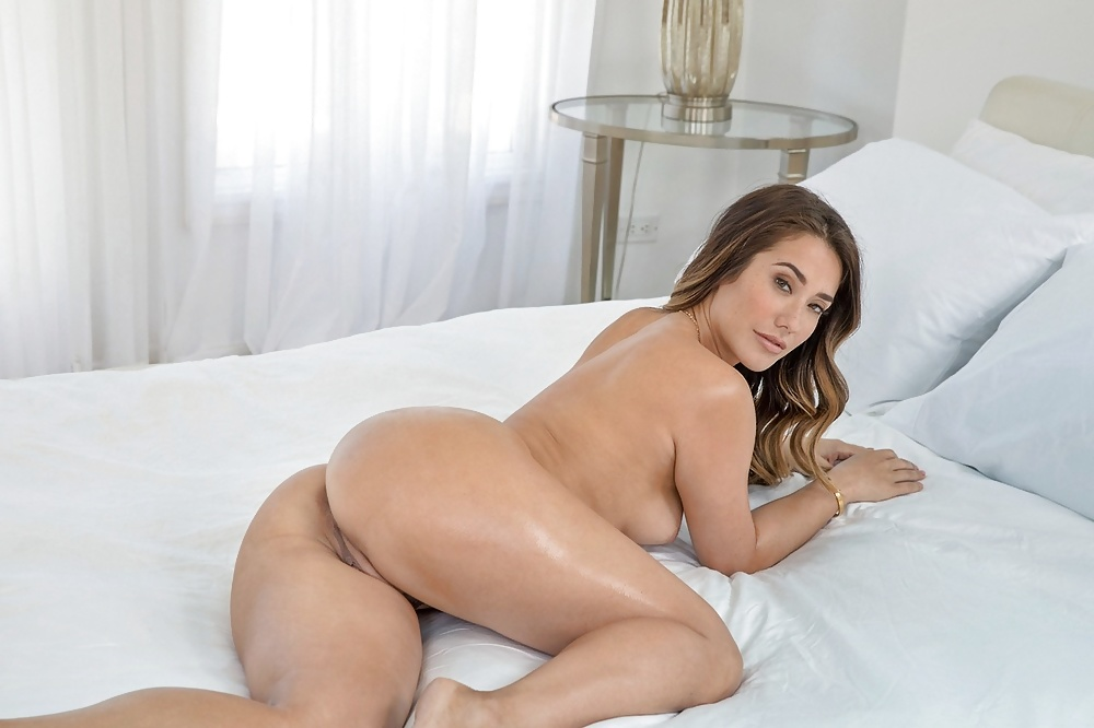 Sexy Nikki Benz Massage