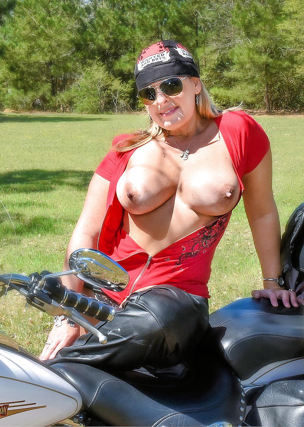 amateur-chubby-biker-rally-bitches