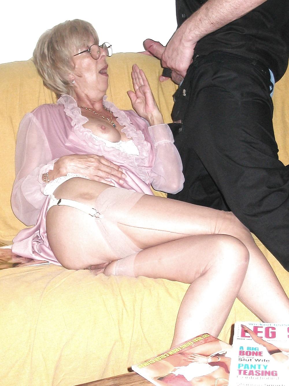старые шлюхи в пеньюарах порно-фильм