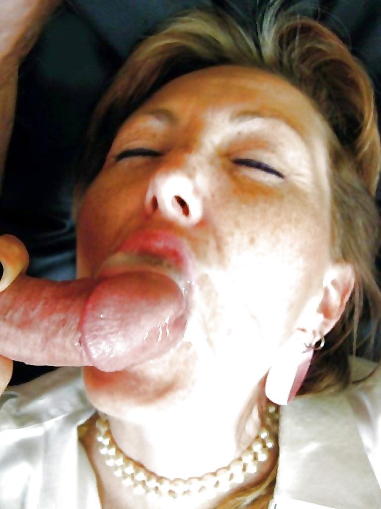 Конча бабе зрелой на лицо