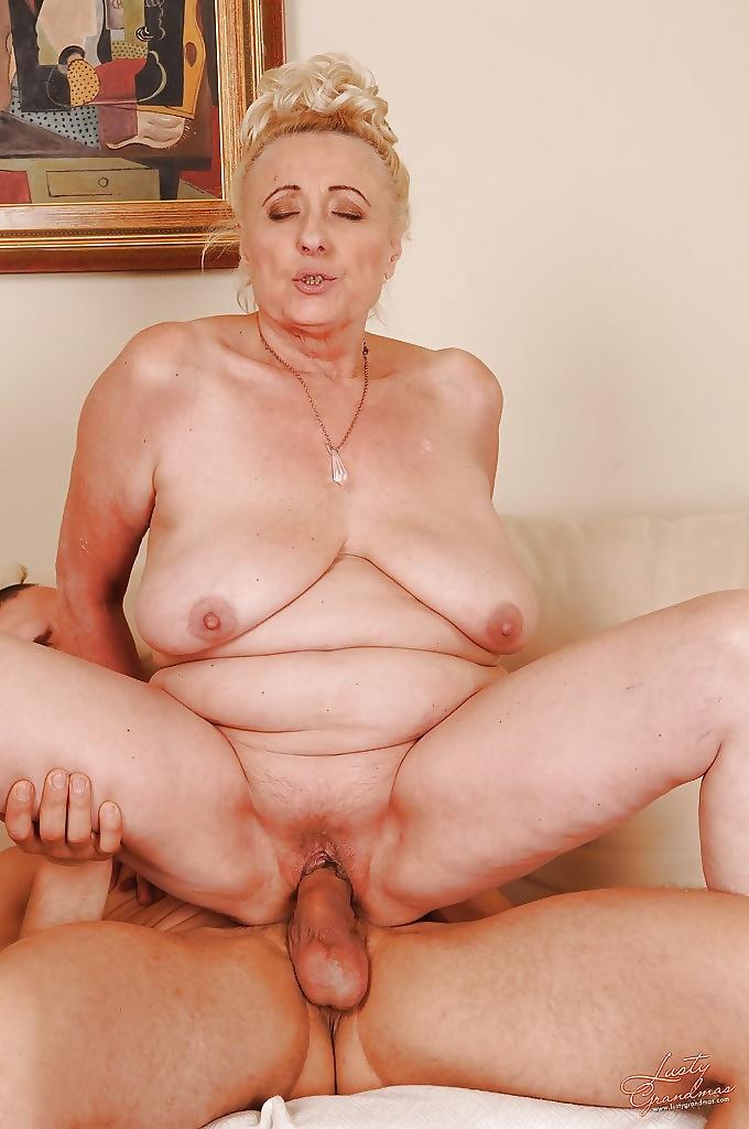 кончают самые старые ожившие груди пенсионерок нее бывали месячные