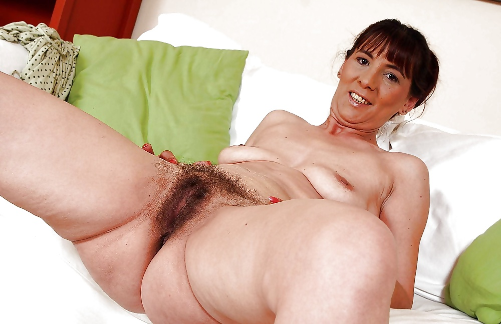 Mature porn pics of sexy mom showing her hairy pussy and spreading ass