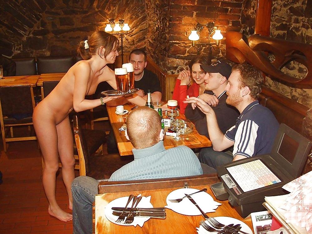 Nude restaurant opens in spain