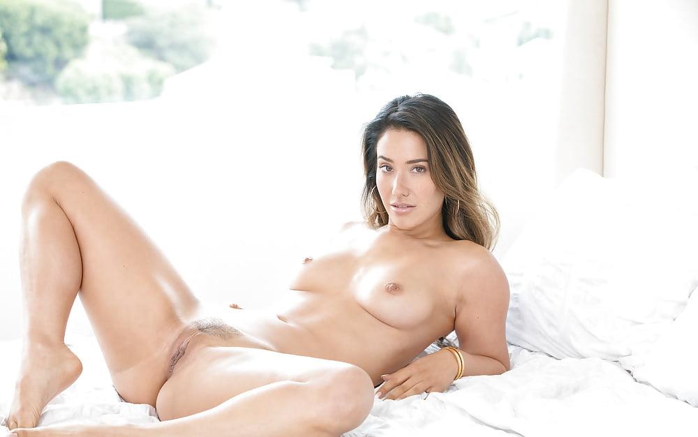 Female Model Eva Lovia Assoass 1