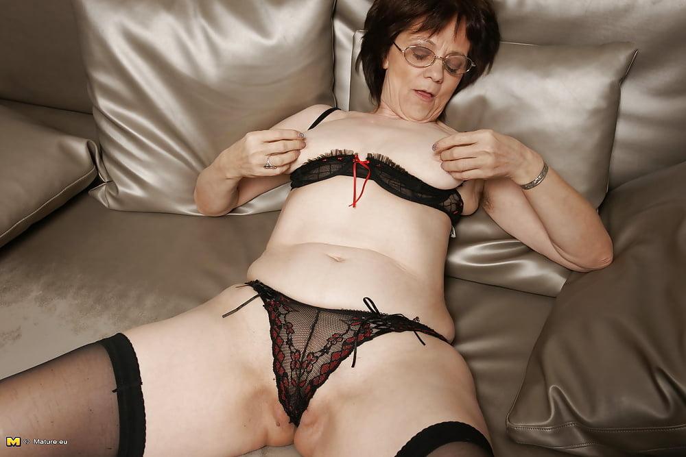 Фото старых женщин в чулках голые — img 5