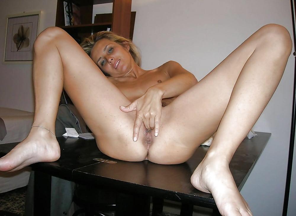 Amateur milf nylon nudes