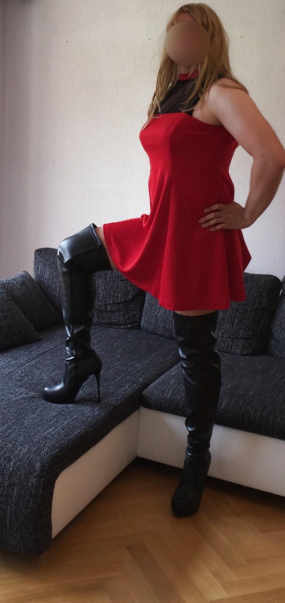 slut-in-thigh-high-boots-garil-sex